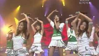 SNSD - Into The New World (First Live - 12 August 2007)