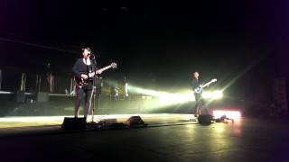 The xx - Heart Skipped A Beat (Live in Singapore 2013)