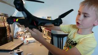 Полеты на дроне обзор квадрокоптер Syma X8c трюки, дрон crash drone полеты на коптере Syma X8