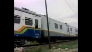 preview picture of video 'KA Rajawali masuk Stasiun Cepu'
