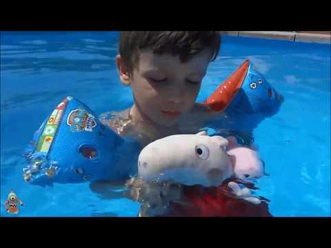 APRENDE A NADAR en la piscina con Ares de JUEGOS y JUGUETES