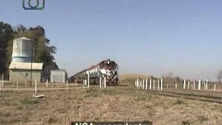preview picture of video 'Tren de cisternas y tolvas graneras de NCA pasando por Mariano Saavedra'