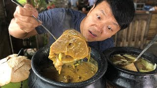 MASSIVE BEEF BONE Soup Insane FILIPINO Food at Tagaytay Philippines - Video Youtube
