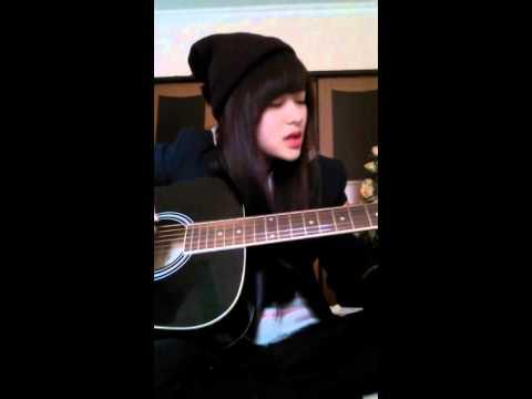 Hot Girl ĐH Hàng Hải tự sáng tác tự hát
