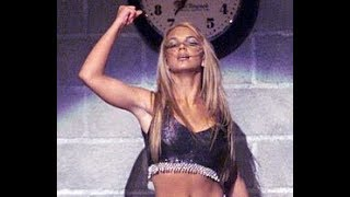 Britney Spears & N' Sync - Baby One More Time/Tearin' Up My Heart Live @ VMA 1999