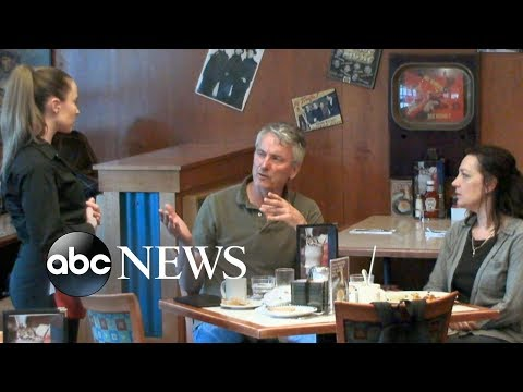 Couple refuses to leave a tip for their lesbian waitress l What Would You Do