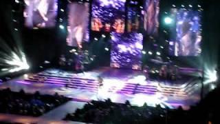 Miley Cyrus & Trace Cyrus - Hovering LIVE in Boston, MA - 11/09/09 HQ