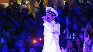Joey McIntyre singing along to Here We Go Again - NKOTB Cruise 2014