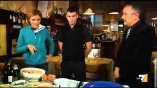 preview picture of video 'Tiramisù Trattoria Toni del Spin ( treviso) la vera ricetta.eseguito dal titolare Nicholas Sturlese'