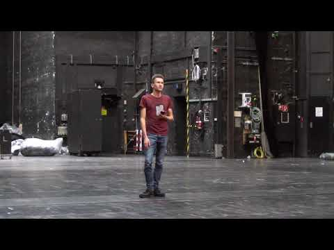 Von der Unterbühne zum Bühnenturm - eine Technikexkursion