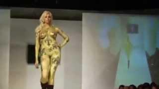 catwalk fashionshow  bodypaint