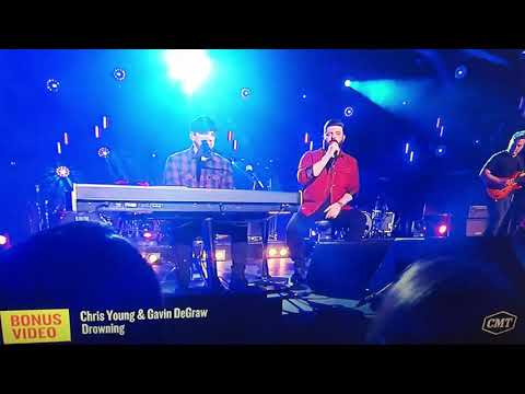 Drowning by Chris Young and Gavin DeGraw CMT Hot 20 Countdown