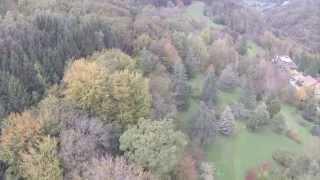 preview picture of video 'Arboretum d'Aubonne, Octobre 2014, vu depuis un mini-drone'