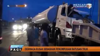 Dermaga Rusak Ratusan Truk Besar Tumpuki Pelabuhan