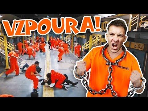 TOHLE JE VZPOURA! | Prison Architect #3 | HouseBox