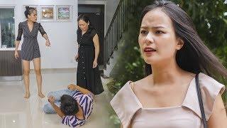 Nữ Thư Ký Vênh Váo Va Chạm Với Cậu Bé Bán Báo Và Cái Kết - RKM