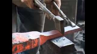 How its made kitchen knife by pneumatic hammer in chinese traditional process?