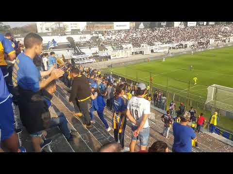 """""""Llegada de la hinchada del Sportivo Luqueño al Manuel Ferreira"""" Barra: Chancholigans • Club: Sportivo Luqueño"""