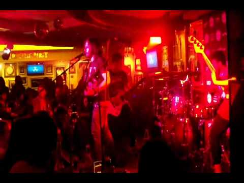 Tourette - Stay Down  (live at Hard Rock Cafe)