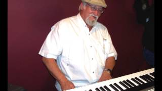 Johnny Whitley At The Piano - Little Queenie