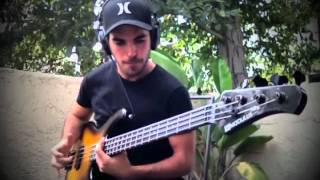 Extreme Slap & Tapping Bass Solo [by Miki Santamaria]