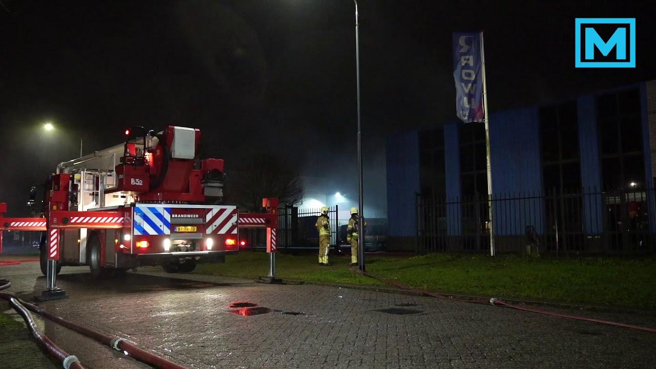 04-12-2020 Brandweer voorkomt zeer grote brand aan industrieterrein Oosterhout
