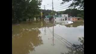 preview picture of video 'Flood (Tsunami Like)  - Disaster In Binghamton, Car Was Submerged In Water (Susquehanna River)'
