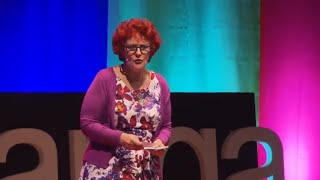Hearing Voices : an Insiders Guide to Auditory Hallucinations | Debra Lampshire | TEDxTauranga