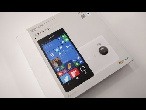 Lumia 950XL Smartphone Unboxing & First Looks
