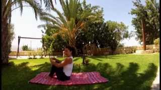 preview picture of video 'YOGA: 30 minutes cooling summer flow by Yasmine - Part Two'
