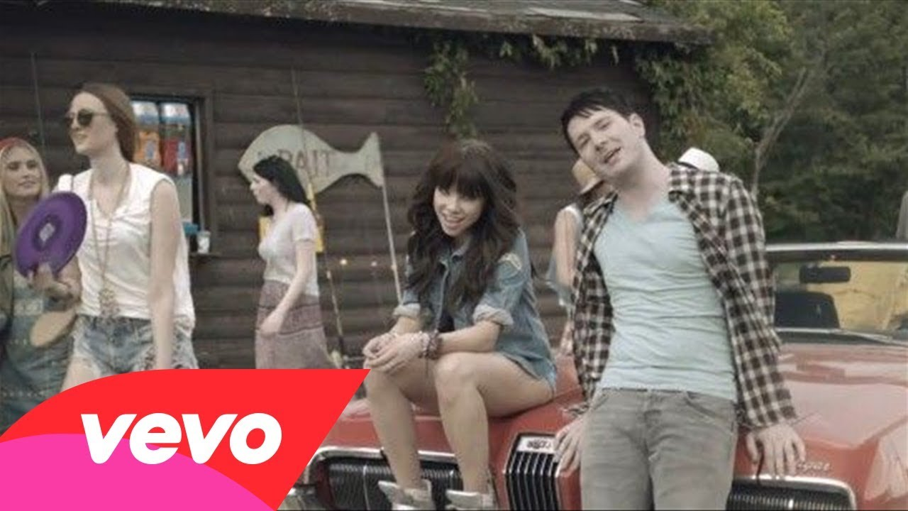 Owl City & Carly Rae Jepsen - Good Time Lyrics . .