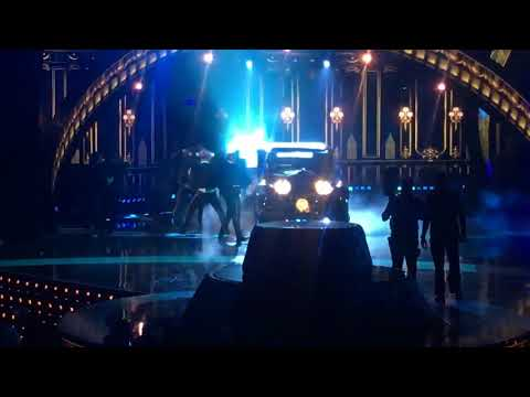 "BECKY G FT BAD BUNNY - ""MAYORES"" 
