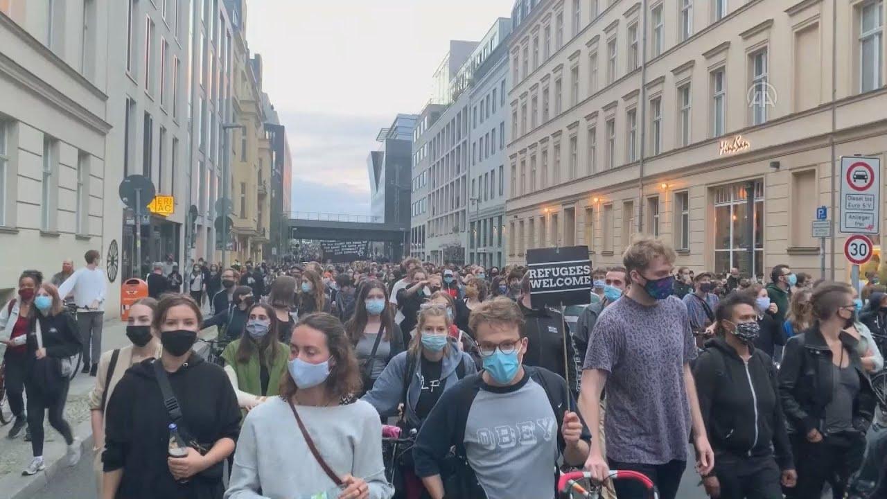Γερμανία: Χιλιάδες διαδηλωτές καλούν τη γερμανική κυβέρνηση να δεχθεί πρόσφυγες από τη Μόρια