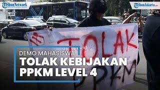 Mahasiswa Menggelar Aksi Demo Tolak PPKM Level 4 di Kolong Flyover Pasar Rebo, Jakarta Timur