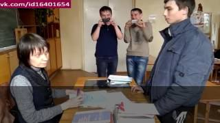 Школьник получил 2 ))