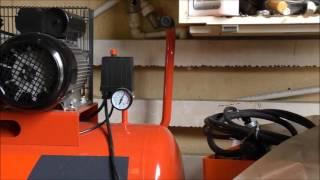 стабилизатор напряжения и компрессор