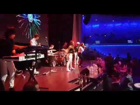 """This one's for you"". Vicious Circle - Internacional Live Band"