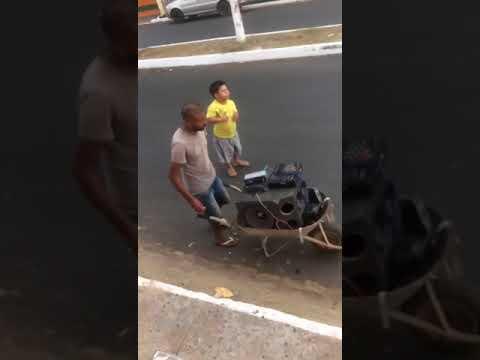 Pancadao carro de mao em axixa,nordeste,brasil, 2017, humor