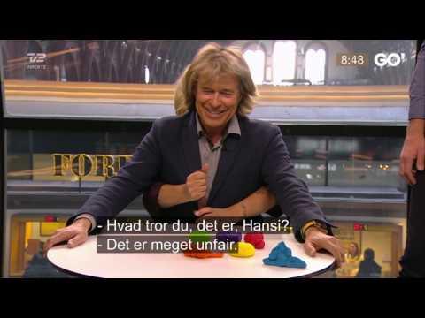 Puk og Hansi Hinterseer leger med ler