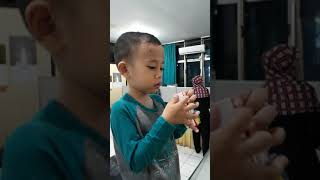 Bashar Makan Bolu Di Kan Tor