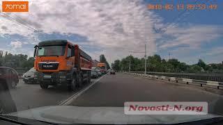 На Ингульском мосту огромная пробка в сторону Соляных (видео)
