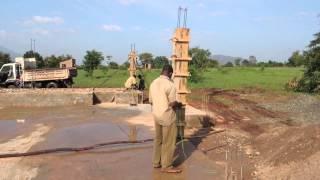 preview picture of video 'Kimbilio - Pylväiden raudoitusta - 21.2.2013 - Morogo, Tansania'