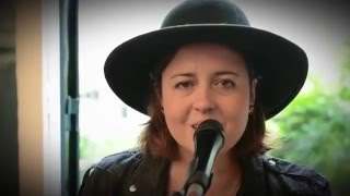 Franche Connexion : Ariane Moffat - Debout (live)