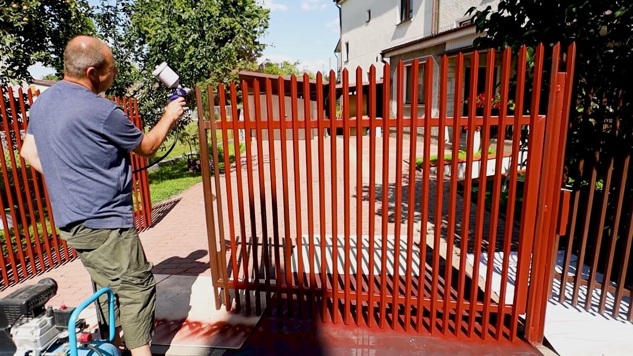 Jak pomalować bramę oraz metalowe ogrodzenie wokół domu