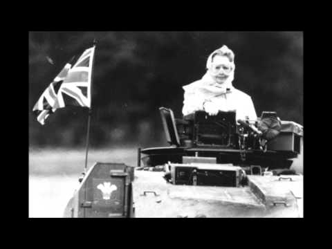Elvis Costello - Tramp The Dirt Down