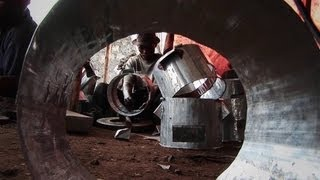 preview picture of video 'Ashden Award: WWF Democratic Republic of the Congo, efficient charcoal stoves (5 minute version)'