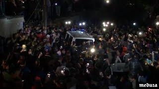 Стихийный митинг из-за убийства школьницы в Саратове