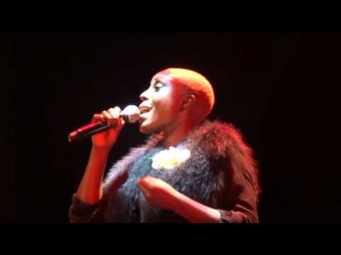 Laura Mvula - Make Me Lovely (HD) Live In Paris 2013