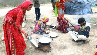 RAJASTHANI WOMEN COOKING FOOD❤VILLAGE LIFE OF INDIA❤INDIAN RURAL LIFE/RURAL LIFE OF INDIA