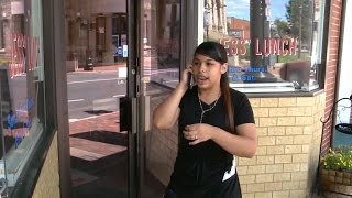 Latina waitress recieves racist note instead of tip